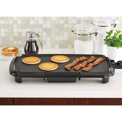 Walmart – Mainstays Dishwasher-Safe Black 20″ Griddle Only $18.96 (Reg $24.00) + Free Store Pickup