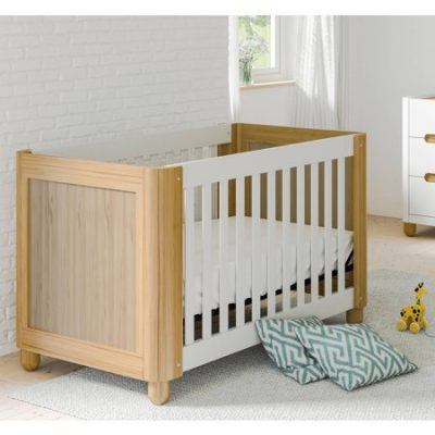 Walmart – Storkcraft Roland 3 in 1 Convertible Crib White/Natural Only $159.99 (Reg $299.99) + Free Shipping
