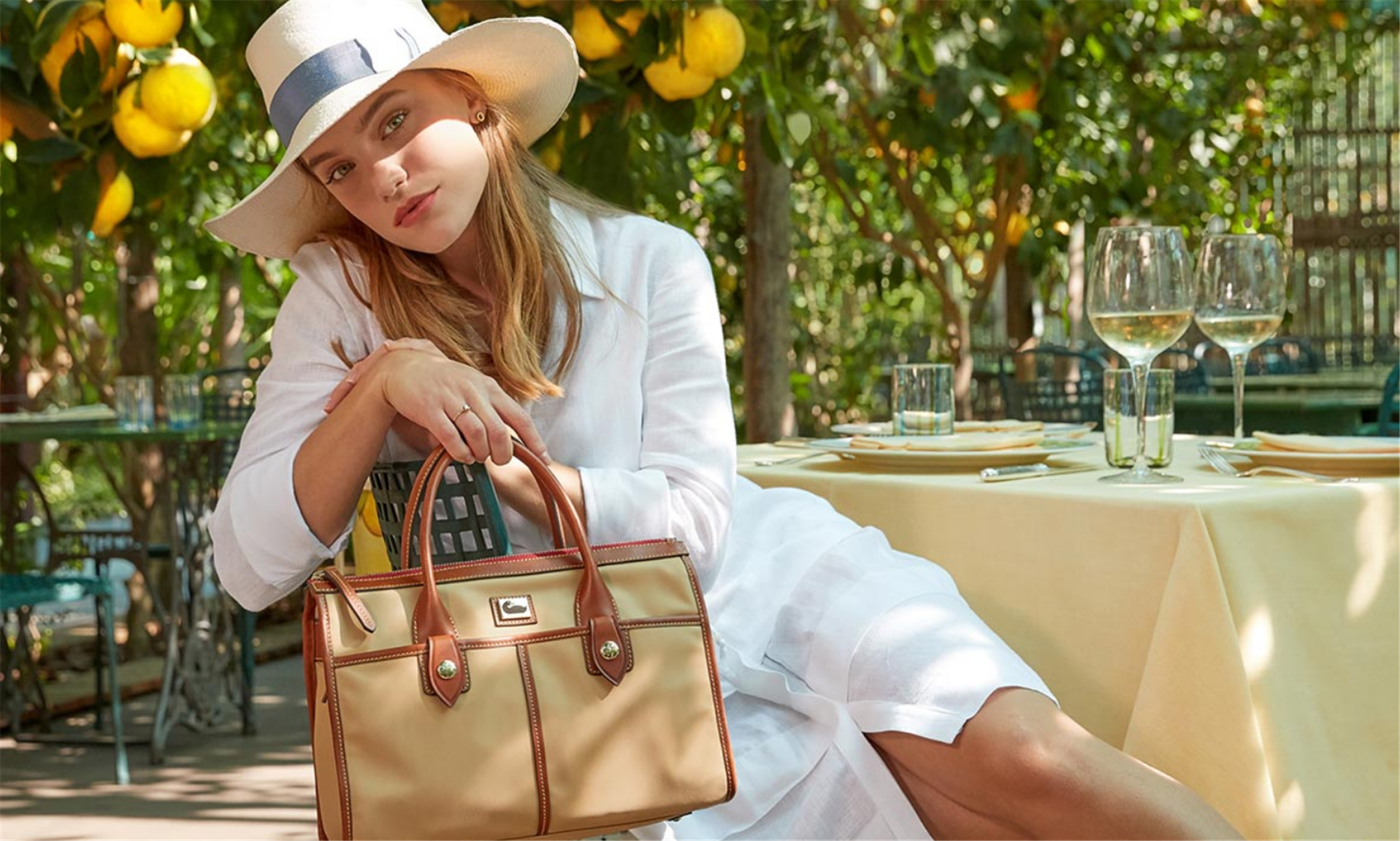 Dooney & Bourke – Winter Clearance Sale Save up to 65% off Handbags + Free Shipping!