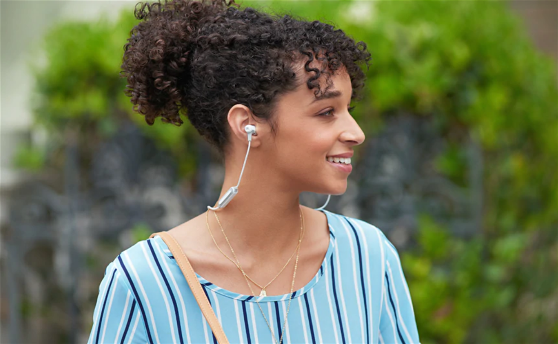 JBL In-Ear Bluetooth Headphones Only $17.95, Reg $59.95 + Free Shipping!