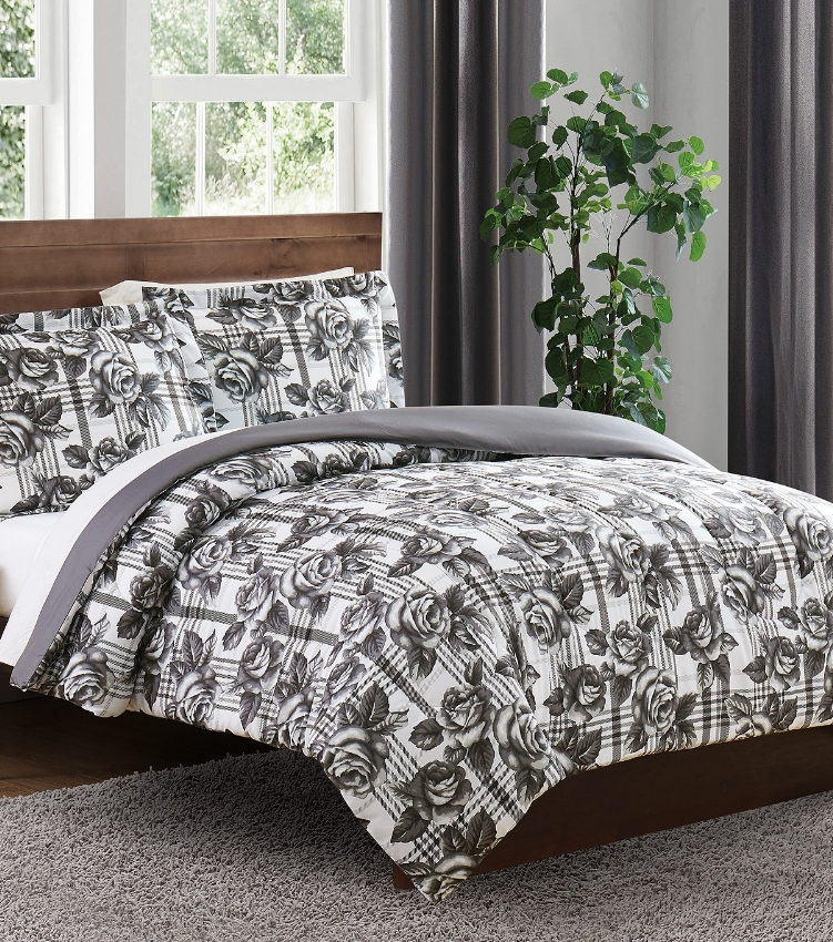 Macy's.com Has 3-Piece Comforter Sets For Only $18.99, Reg $80.00 + Free Store Pickup!