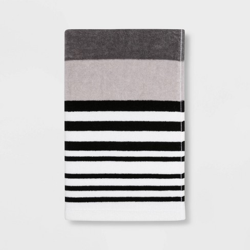 Room Essentials Hand Towel Beige or Blue Only $3.60 (Reg $4.00) + Free Store Pickup at Target.com!