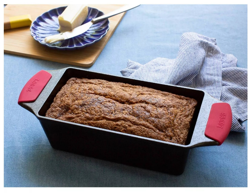 Lodge Cast Iron Loaf Pan w/ Silicone Grips for just $19.99 + free Store Pickup at Target!