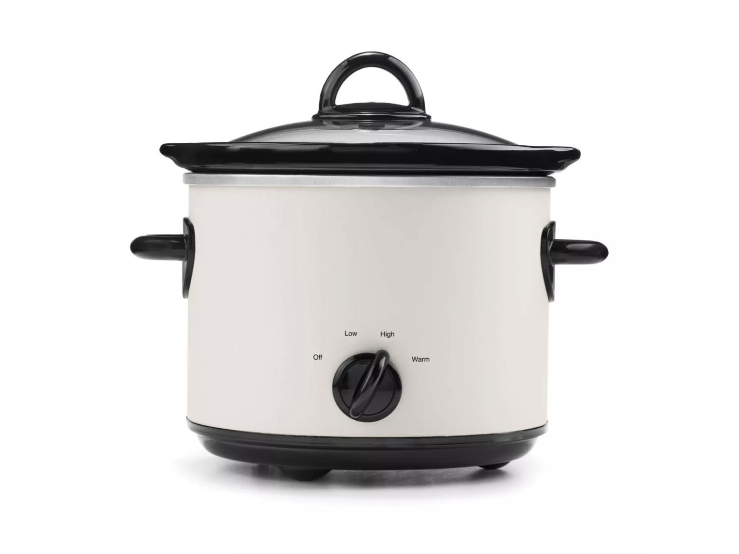 Crock Pot Slow Cooker Only $15.00 (Reg $17.99) + Free Store Pickup at Target.com!